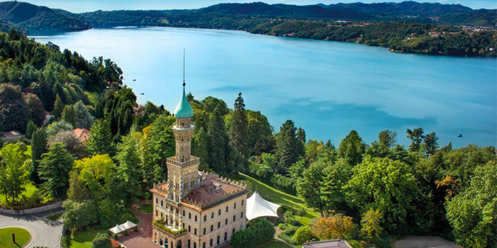 un lago en Italia